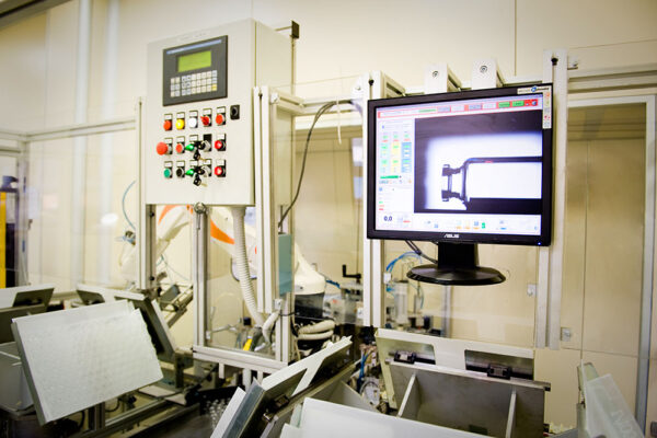 Technology, vials for the pharmaceutical industry, Soffieria Bertolini