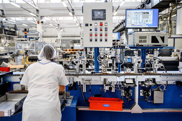 Soffieria Bertolini manufacture ampoules and vials for the pharmaceutical industry (3)